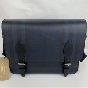 New Burberry Medium London Check Messenger Bag